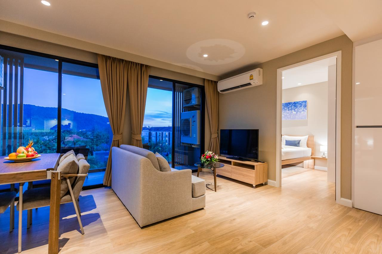 Diamond Resort Phuket - гостиная в апартаментах