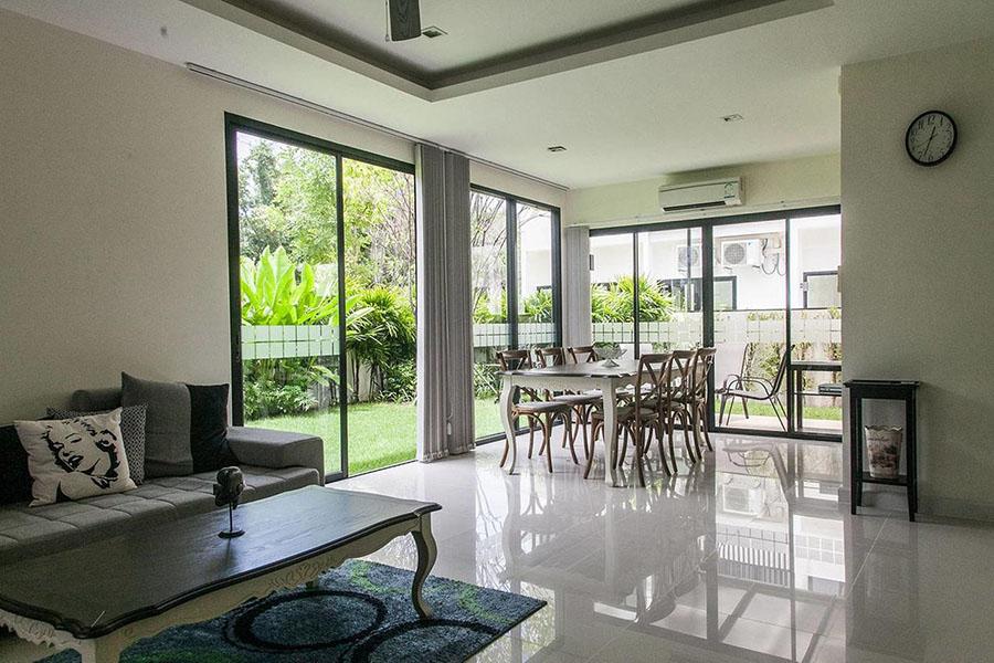 гостиная  в таунхаусе в Laguna Park
