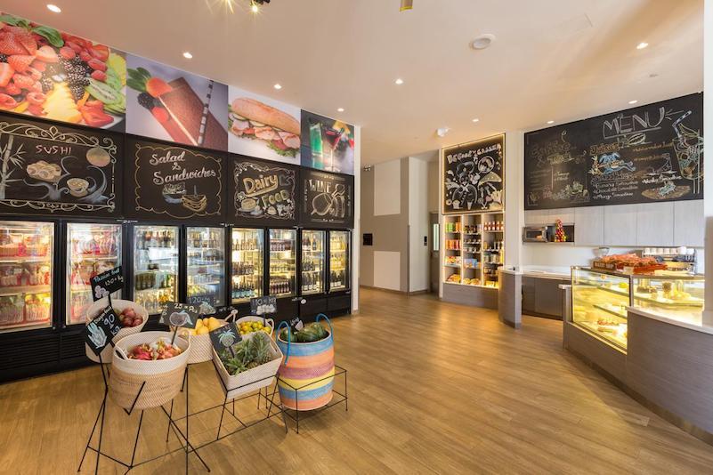 Магазин в отеле - Cassia Residences