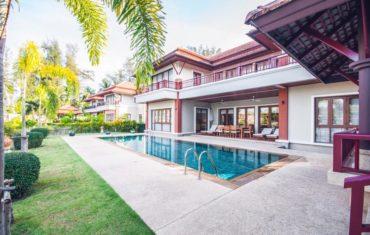 Резиденция с 5 спальнями в охраняемом комплексе Laguna Waters