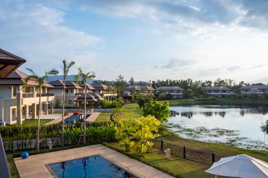 Вид с балкона в Laguna Village