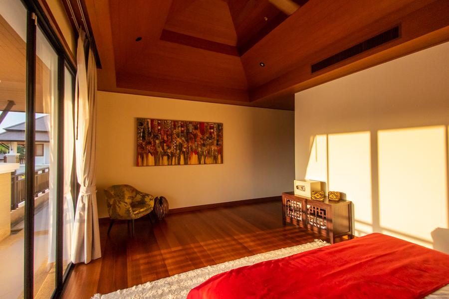 Декорации в спальне в Laguna Village