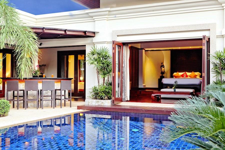 Главная спальня и бассейн - SaiTaan