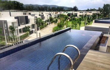 Просторная четырехспальная вилла с личным бассейном в Laguna Park