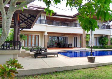 Уютная резиденция с 4 спальнями в Laguna Village