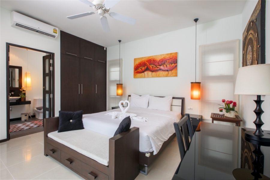 Niche Villas - главная спальня